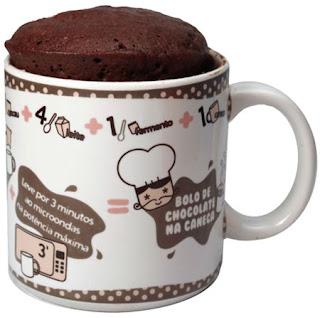 Bolo de chocolate na caneca