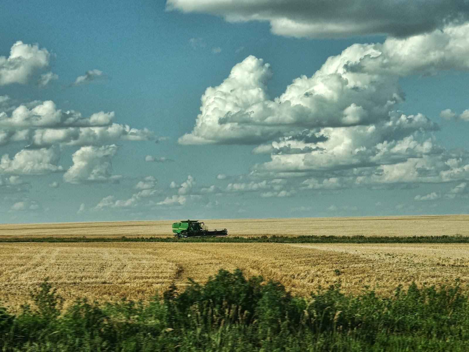 Phi Slamma Camera Kansas Candid Combine Amber Waves Of Grain