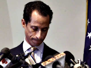 """This Was Weiner's 4th Time Getting Busted! Just Weeks Ago, He Was """"Catfished"""" By A Dude. How Quickly They Forget:"""