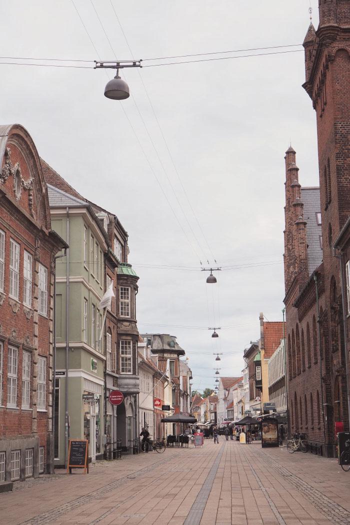 Dans les rues de Helsingør au Danemark