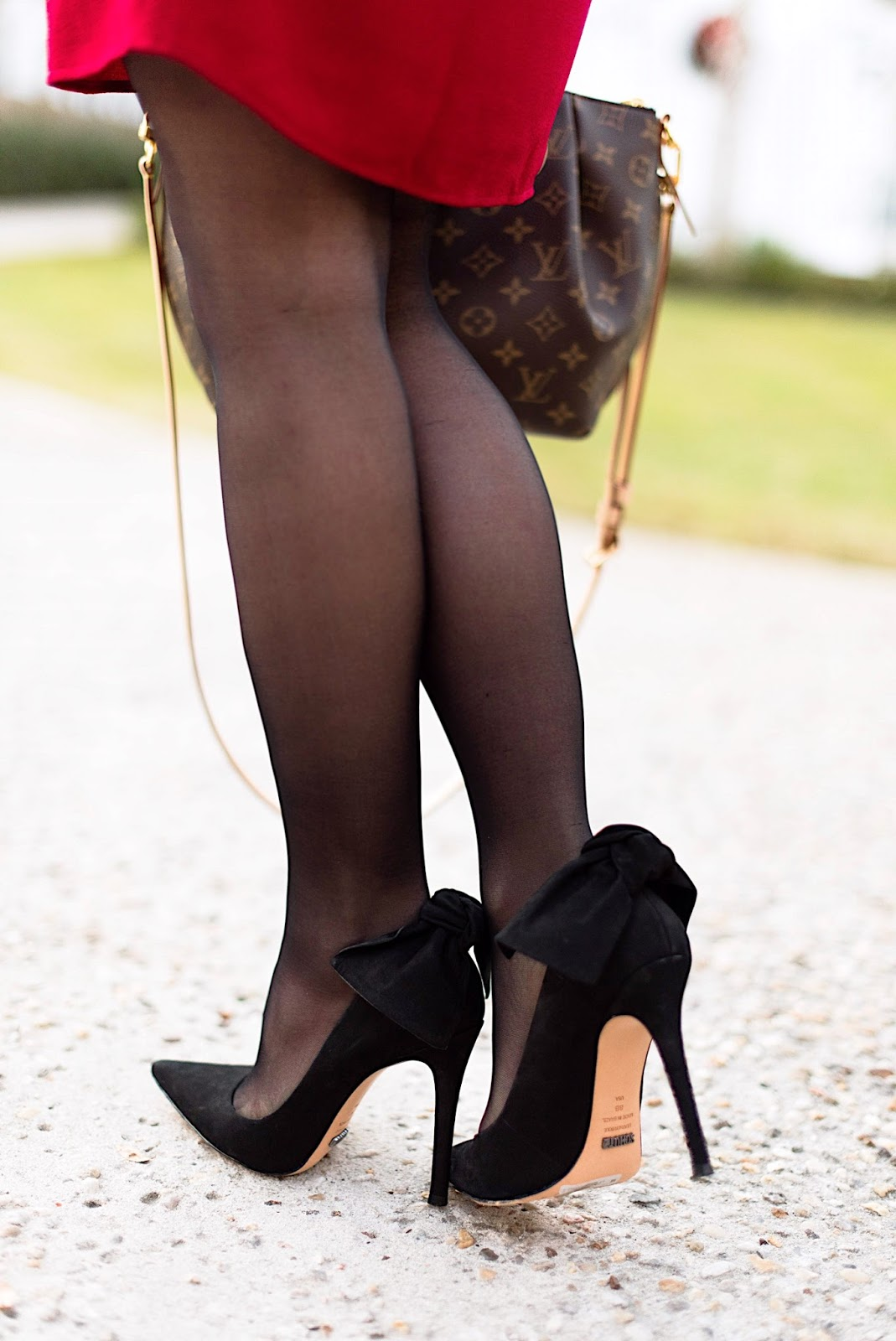 Something Delightful Blog - Bow back pumps
