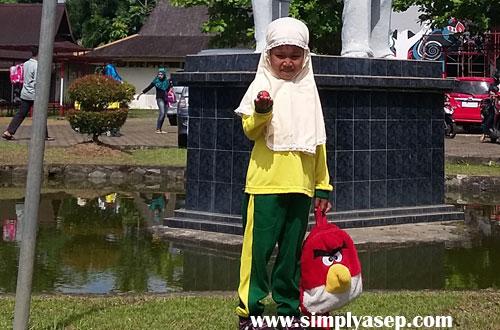 Tazkia Putri sekarang saat study tour di Museum Negeri Kalimantan Barat bulan November 2016 yang lalu. Foto Asep Haryono