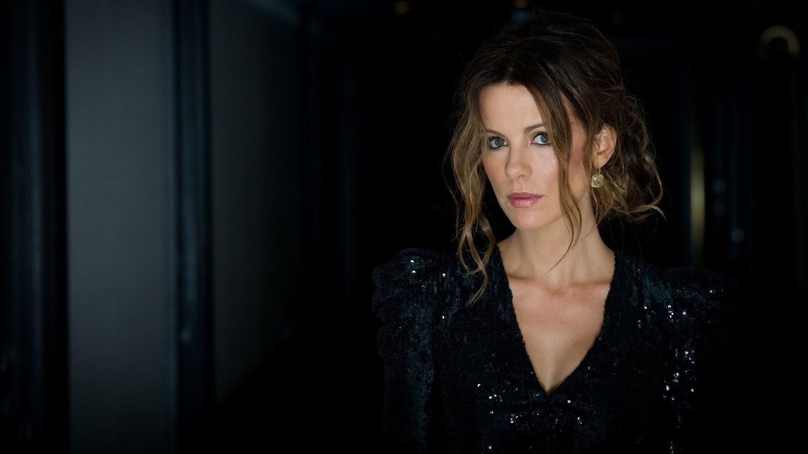 kate beckinsale hd wallpapers pictures and background images