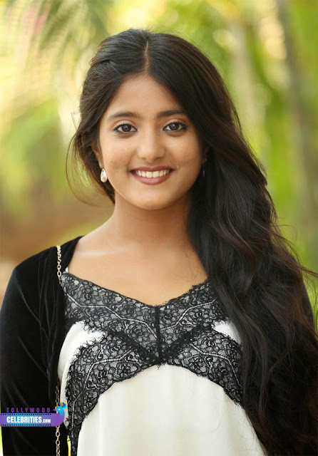 Ulka Gupta Profile Biodata Biography Faily Photos