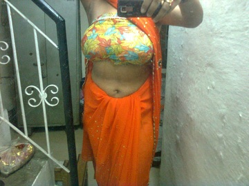 indian aunty outdoor party