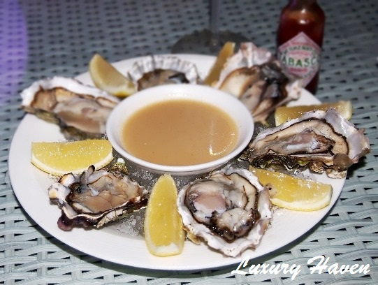 grand park orchard hotel bar canary rock oysters
