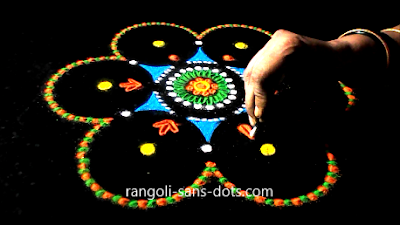 rangoli-craft-with-old-Cds-buds-1112ai.jpg