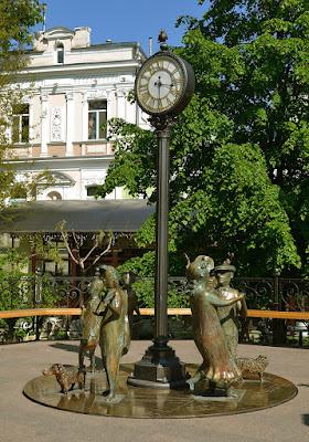 """""""Одесское время"""" скульптура в Горсаду. Одесса"""