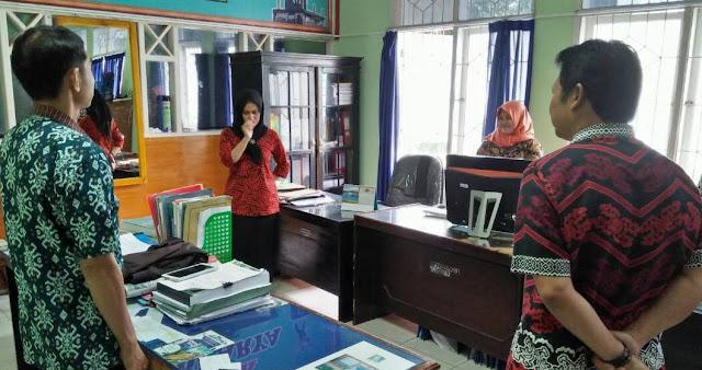 Hari Terakhir Berkantor Sebelum Libur Panjang, Bupati Indak Sidak Kantor