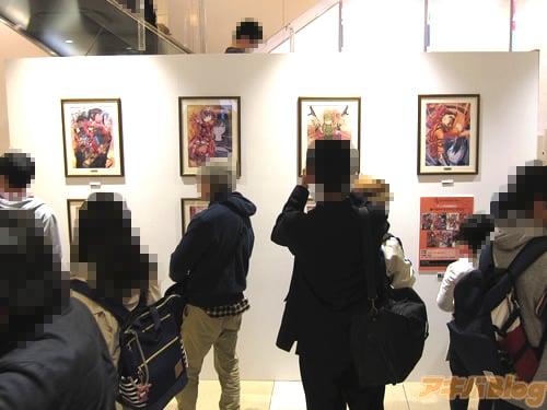 Sword Art Online Alternative Gun Gale Online tem cosplayers distribuindo granadas de água em Akiba