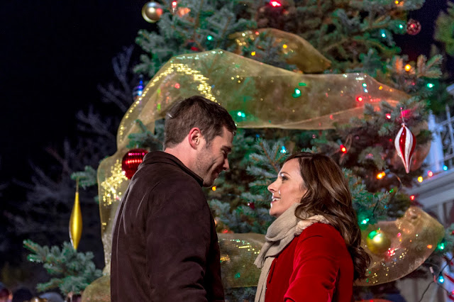 'Christmas Land': A Sweet Treat of a Destination. A review of the 2015 Hallmark romance with Nikki DeLoach. All text is © Rissi JC
