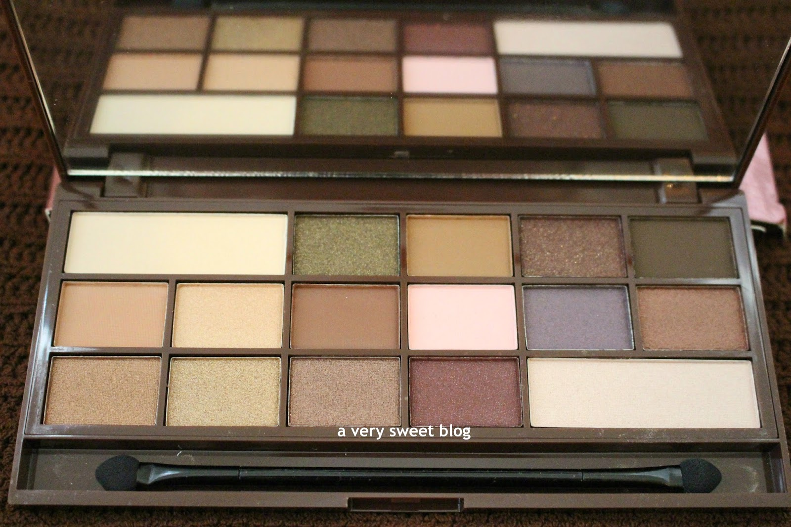 Makeup revolution i heart chocolate palette review
