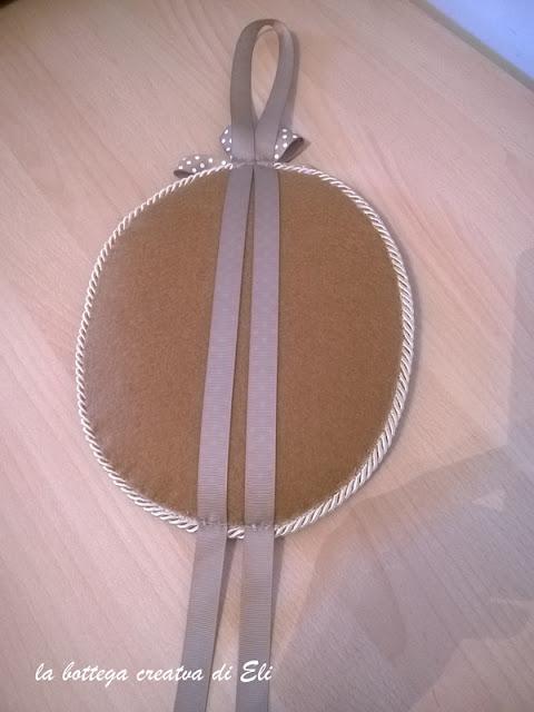 cucito-creativo-realizzare-un-medaglione-ricamato