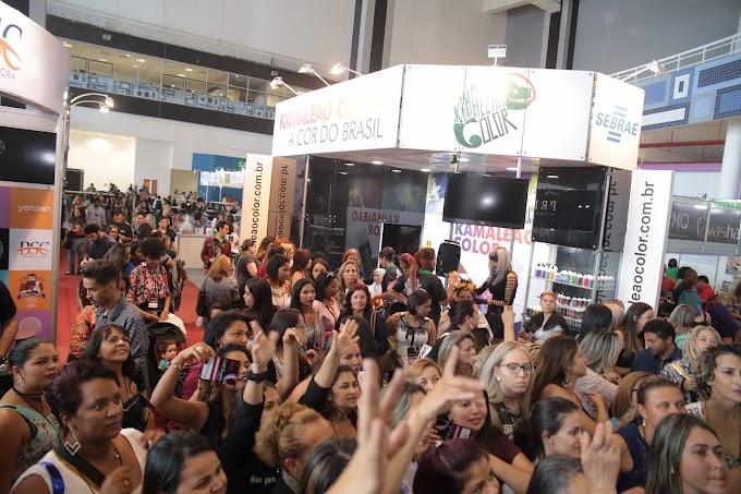 Beleza: Cabeleireiros das famosas palestram em Brasília