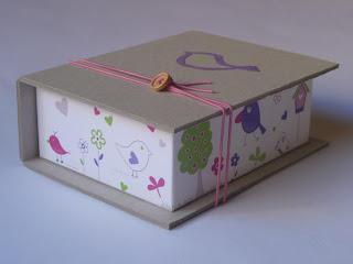 κουτί μαρτυρικών βάπτισης χάρτινο με ζωγραφισμένο πουλάκι