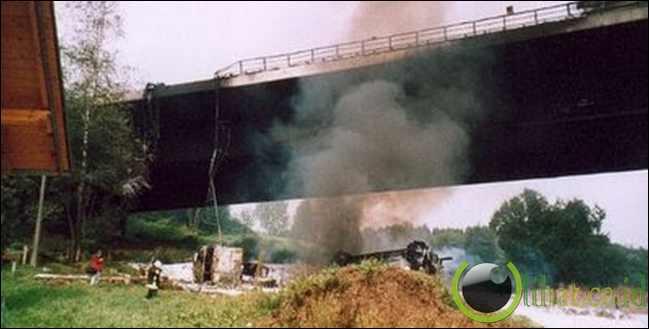 Truck vs Bridge – $ 358 Juta