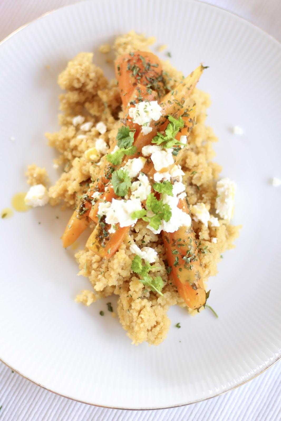 Orangen-Couscous mit gedünsteten Karotten
