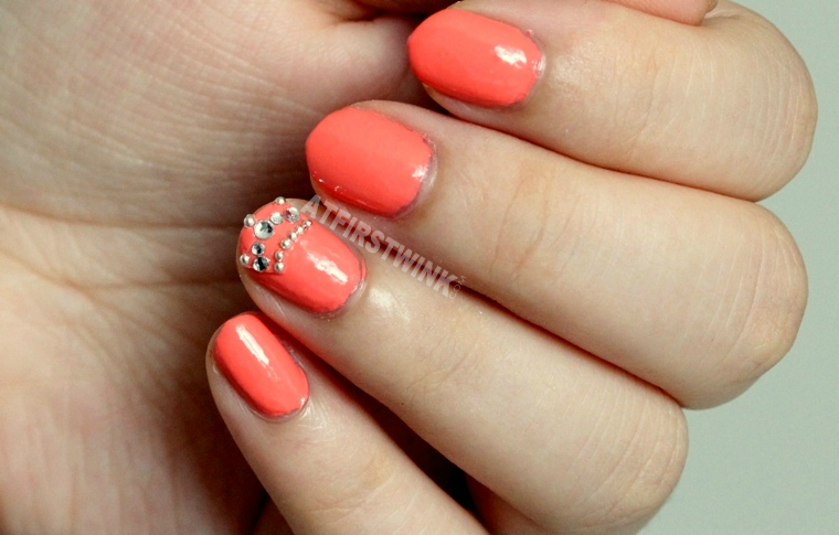 Essie nail polish tart deco with crown beads nail sticker