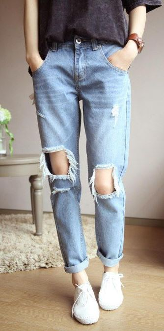 cool outfit | tee + ripped jeans