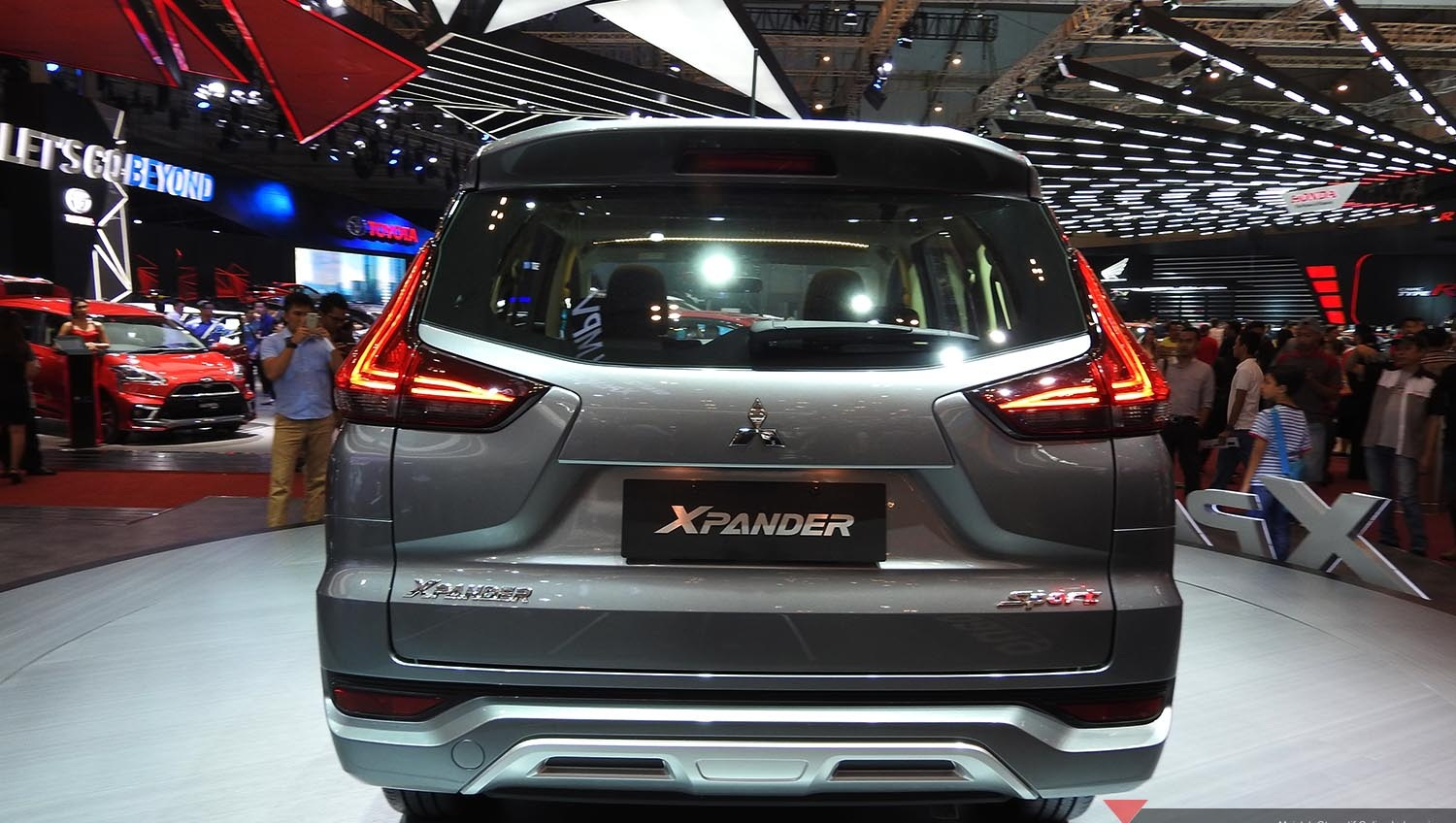 First impression review mitsubishi xpander 2017 indonesia for Exterior xpander ultimate