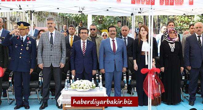 İlköğretim Haftası Diyarbakır'da coşkuyla kutlandı
