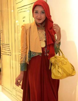 Model Blazer Batik Dian Pelangi Terbaru Pesta