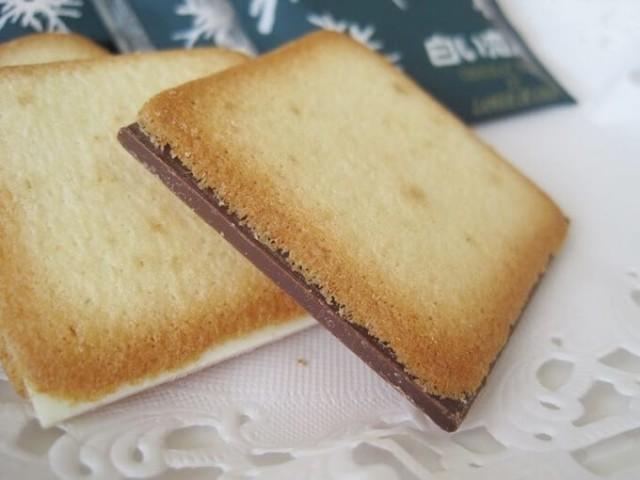 Rekomendasi Oleh-Oleh Makanan Khas Jepang Shiroi Koibito