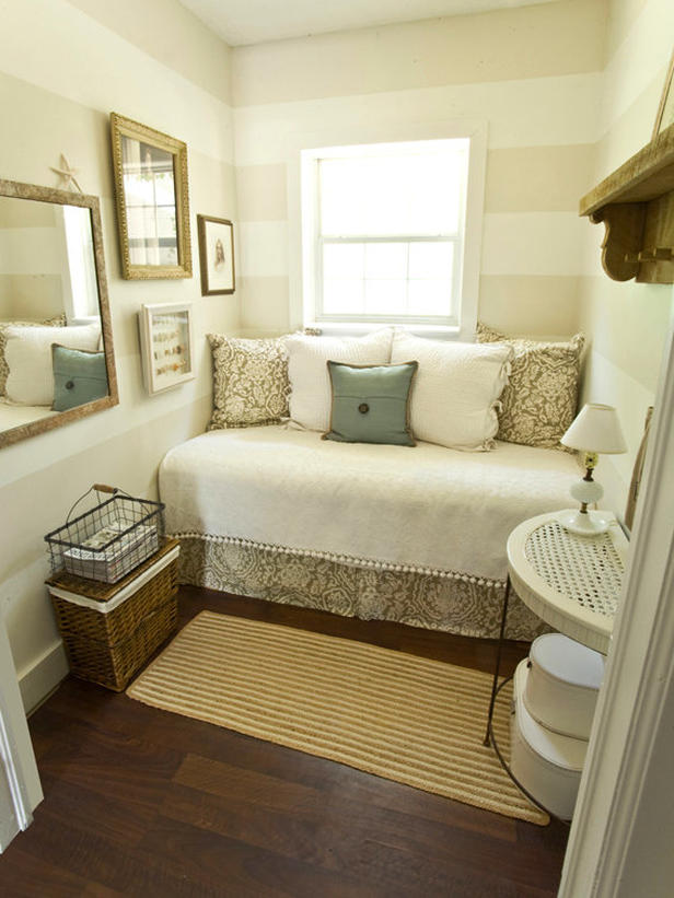 16/12/2020· hello friends.welcome to khushi dailiesi am sharing small bedroom decoration ideas || diy ideas ||#smallbedroomdecorationideas#bedroomdecoration#decorationi. Modern Furniture: Daybeds 2013 Ideas from HGTV