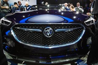 Buick-Avista-concept-show-floor-110-876x584