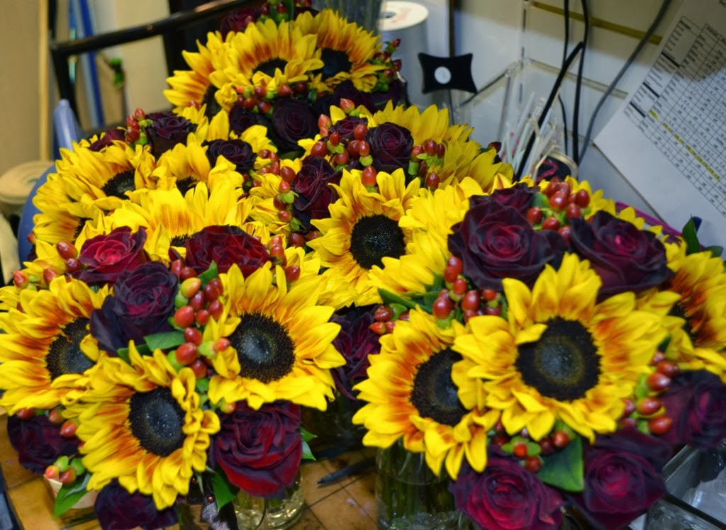 Sending Smiles Fall Sunflowers And Rose Wedding Bouquets