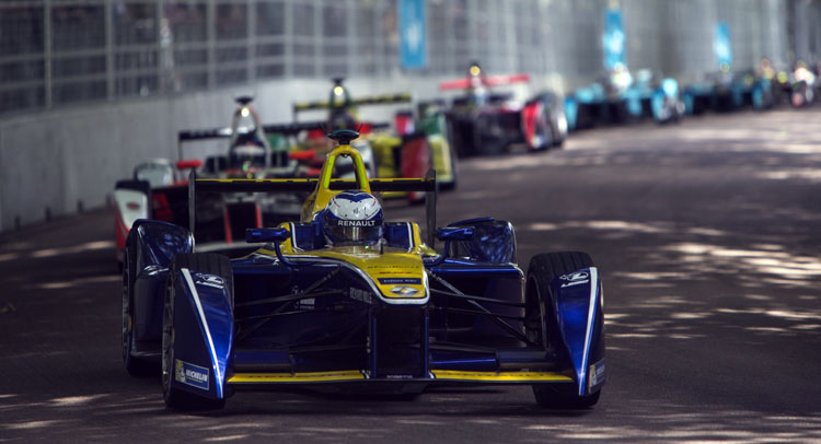 Formula E Championship Comes Down To Fast-Lap Shootout After First-Lap Crash [w/Video]