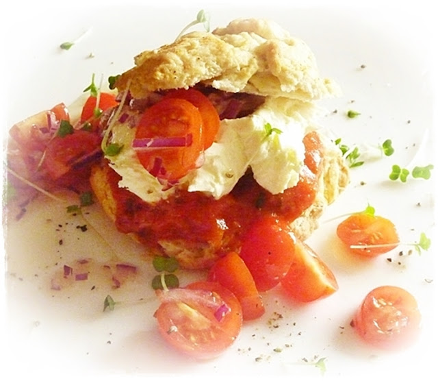 savoury-cream-tea-cheese-scones-tomatoes