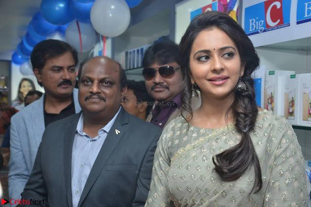 Rakul Preet Singh in a Designer saree at Launch of BIG C Show room at  Kurnool ~ Celebrities Galleries 007.jpg