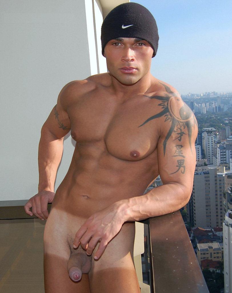 настоящее время парни бразилии голые девушка