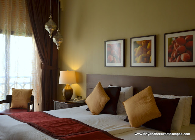 Tilal Liwa Hotel bed