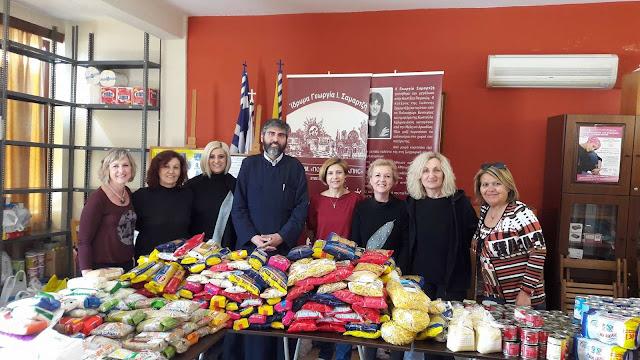 """Το Ίδρυμα """"Γεωργία Σαμαρτζή - Πολιτεια Αγάπης"""" έδωσε τρόφιμα, παιχνίδια και λαμπάδες"""