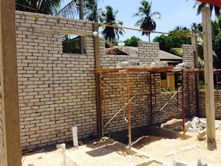 Mendirikan Dinding Rumah