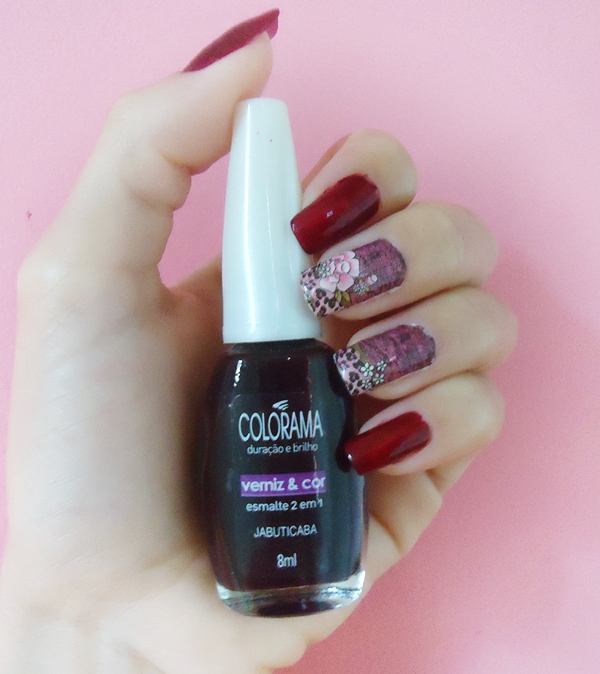 Esmalte Jabuticaba da Colorama e películas Feminice's for nails