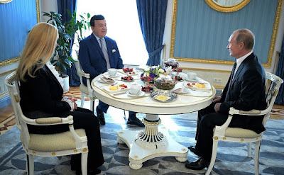 President Putin congratulated Iosif Kobzon on his 80th birthday.