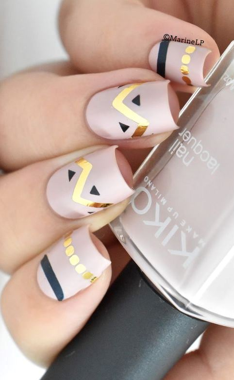 Trendy nail art design to look like you just walked out of the salon