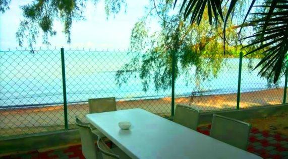Casa Rasa Sayang Resort permandangan pantai