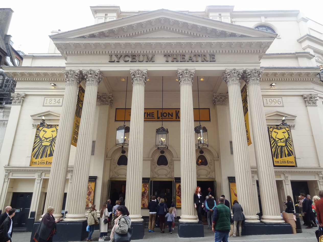 barely-there-beauty-blog-lion-king-musical-lyceum-london