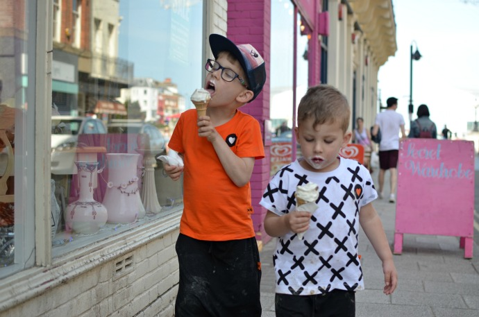 XO Kiddo organic kids clothes, themummyadventure.com