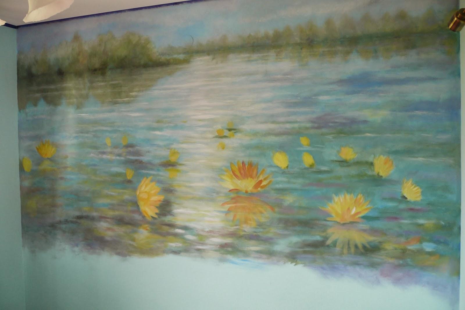 Malowanie obrazu w sypialni bezpośrednio na ścianie, malarstwo ścienne
