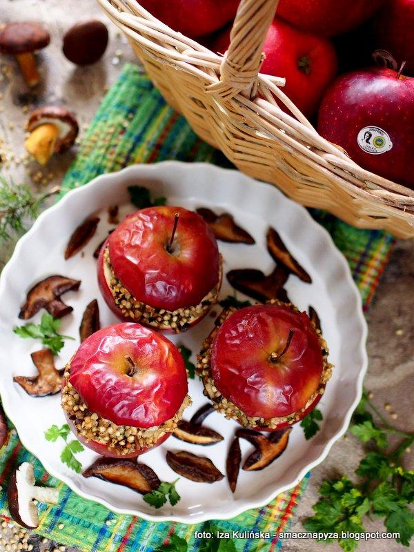 czerwone jabluszko, red jonaprince, owoce pieczone, kasza gryczana, grzyby, podgrzybki, farsz, nadzienie