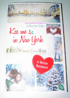 https://bienesbuecher.blogspot.de/2016/10/rezension-kiss-me-in-new-york.html