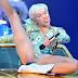 Miley Cyrus se empolga demais e perde a linha em apresentação