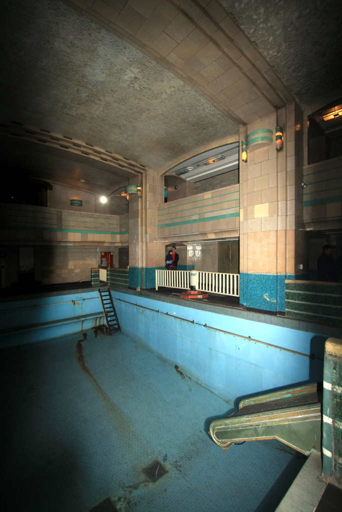 Queen Mary Engine Room: Travels In Moby: RMS Queen Mary