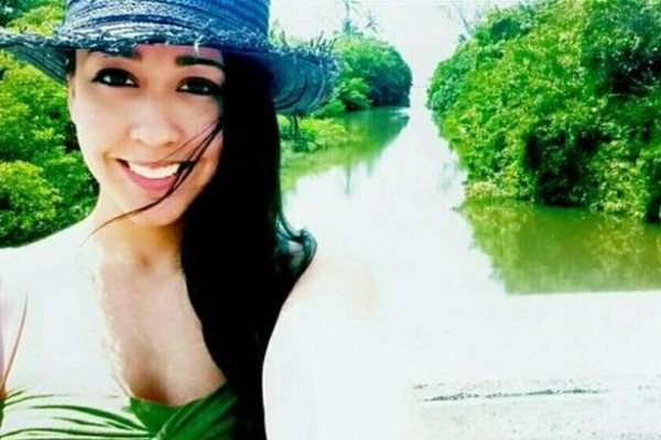 Woman Travels The World For Free By Making Foreign Men Pay For Her