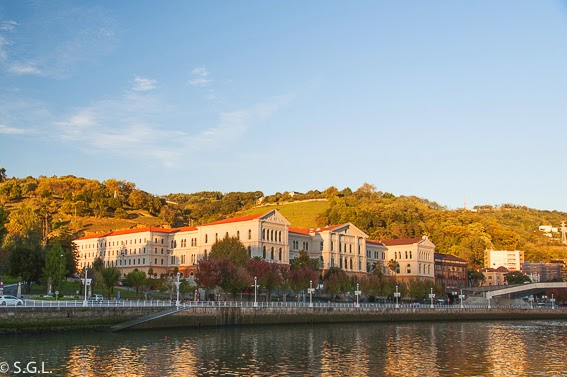 Otoño en la Universidad de Deusto en Bilbao